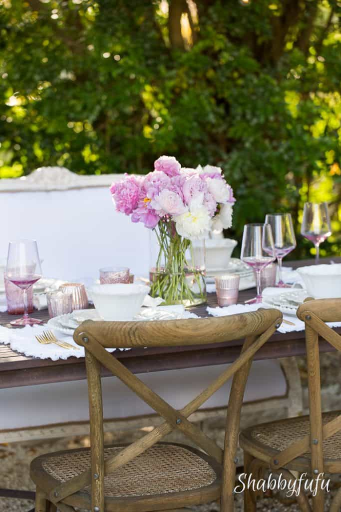beautiful romantic table setting