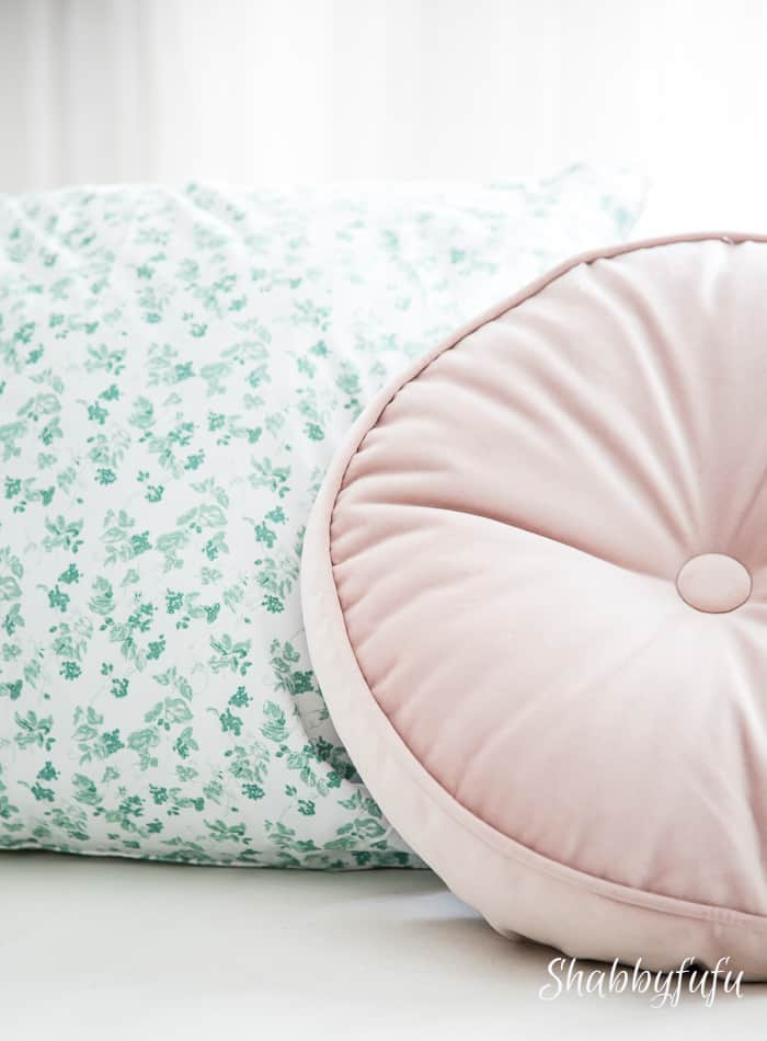 spring-pillows-blush-green