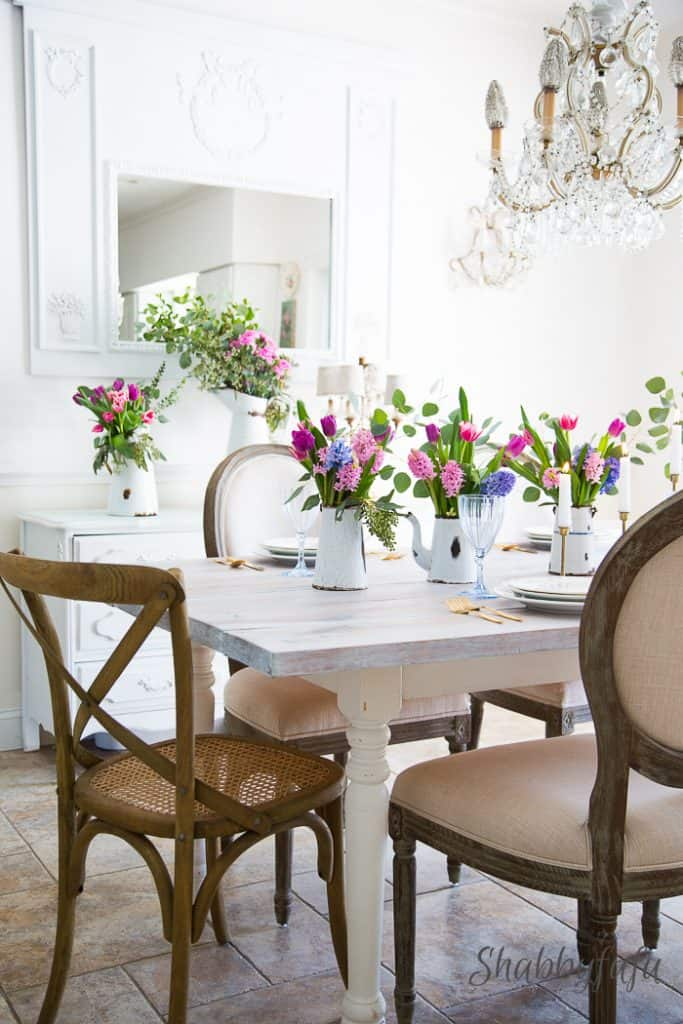 french-country-white-farmhouse-dining-room