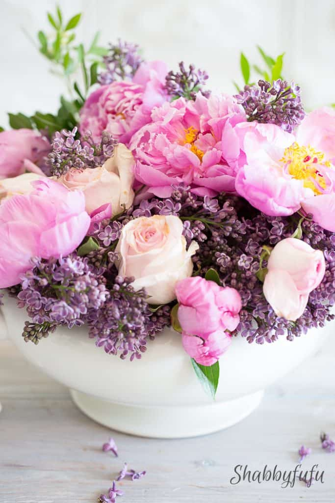 beautiful lilac and peony centerpiece