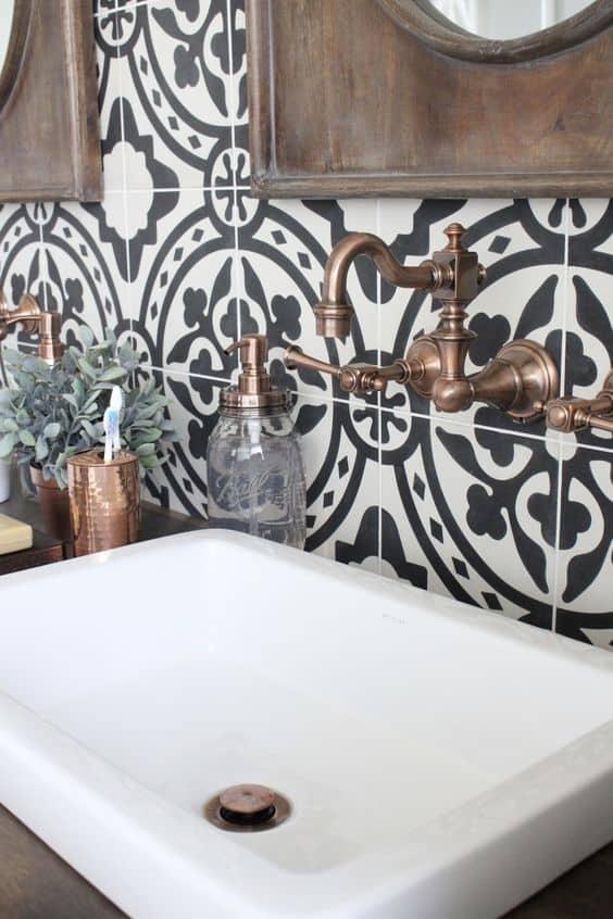 patterned tile bathroom backsplash