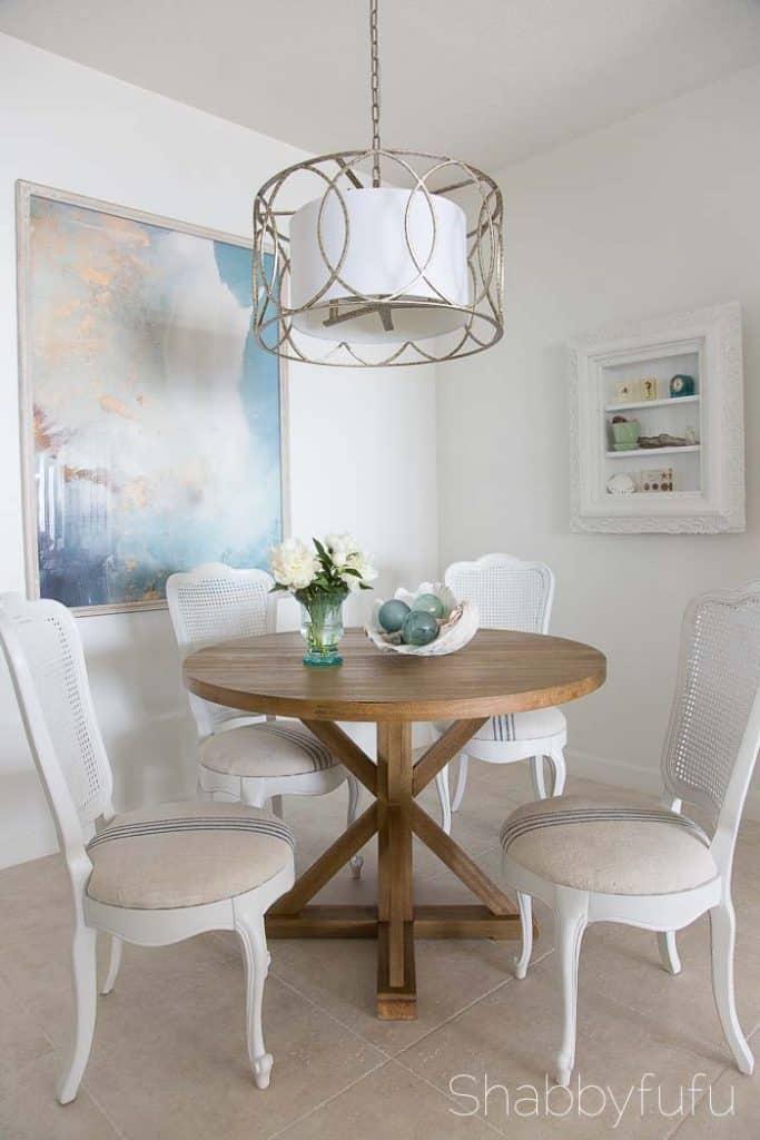 contemporary-coastal-breakfast-room