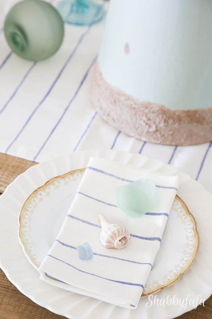 simple-tablesetting-beach-cottage