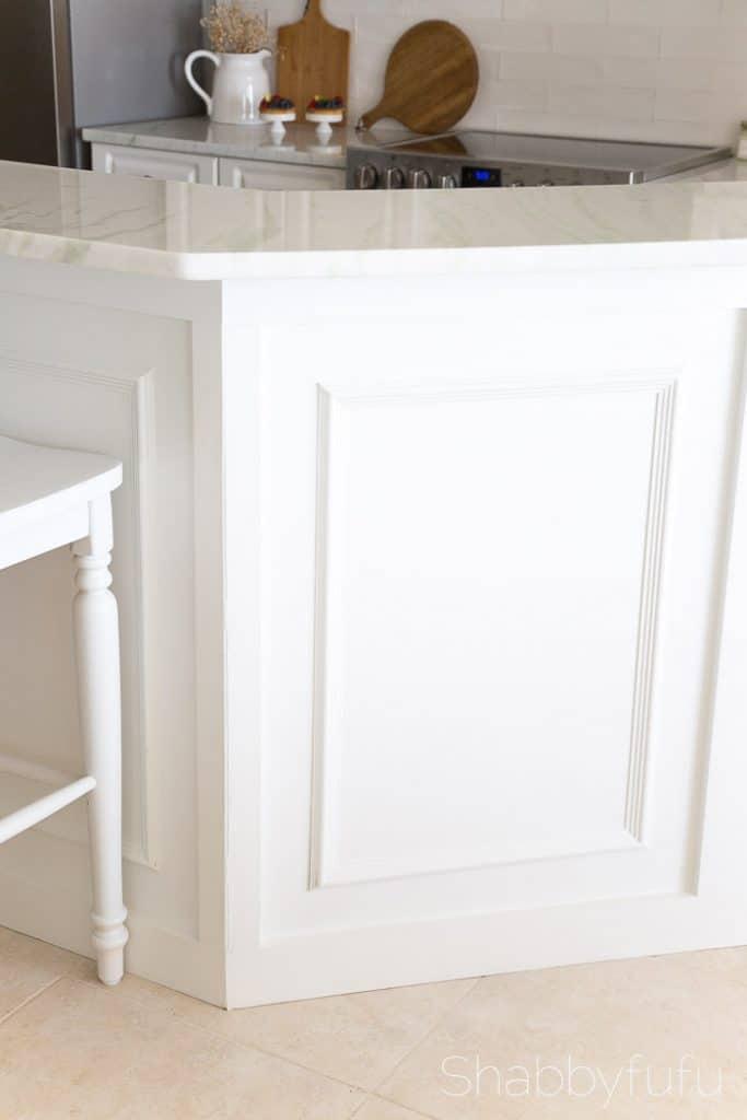white-kitchen-brazilian-quartzite