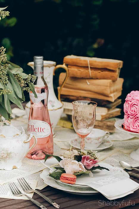 vintage-tablescape-setting