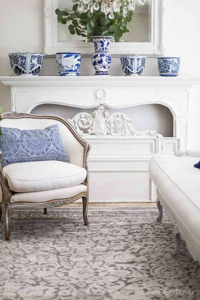 french bergere chairs and chinoiserie pots