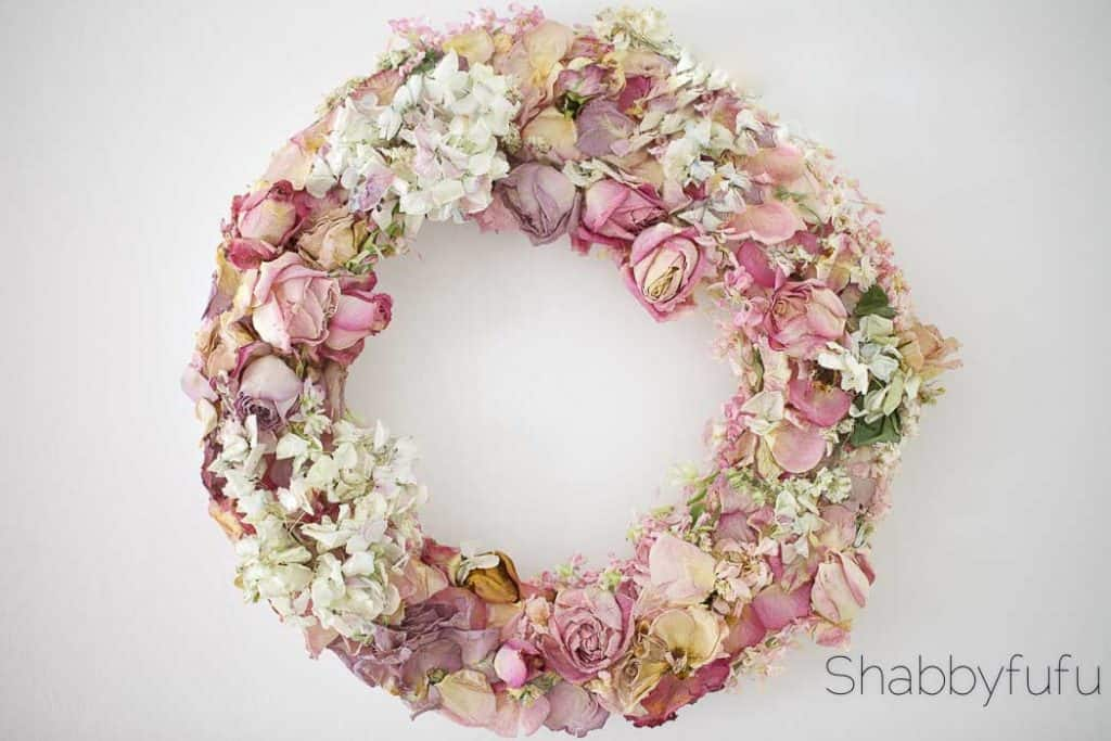 Portfolio of pretty simple wreaths to make for fall shabbyfufu crafting a flower wreath mightylinksfo