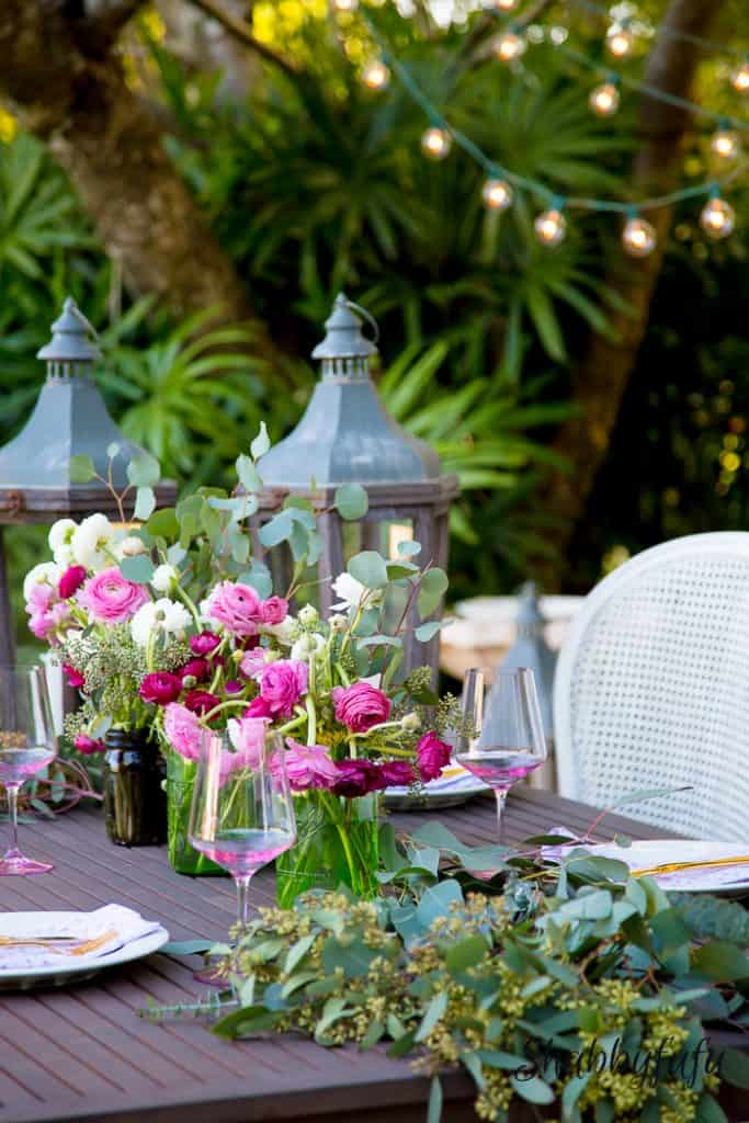 tablescape-potterybarn-ranunculus-shabbyfufublog