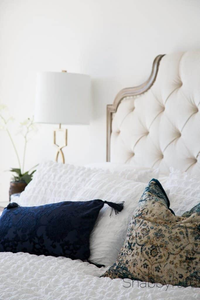 tufted-french-bed