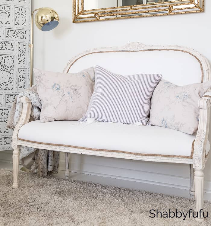 french white settee english country cottage decorating