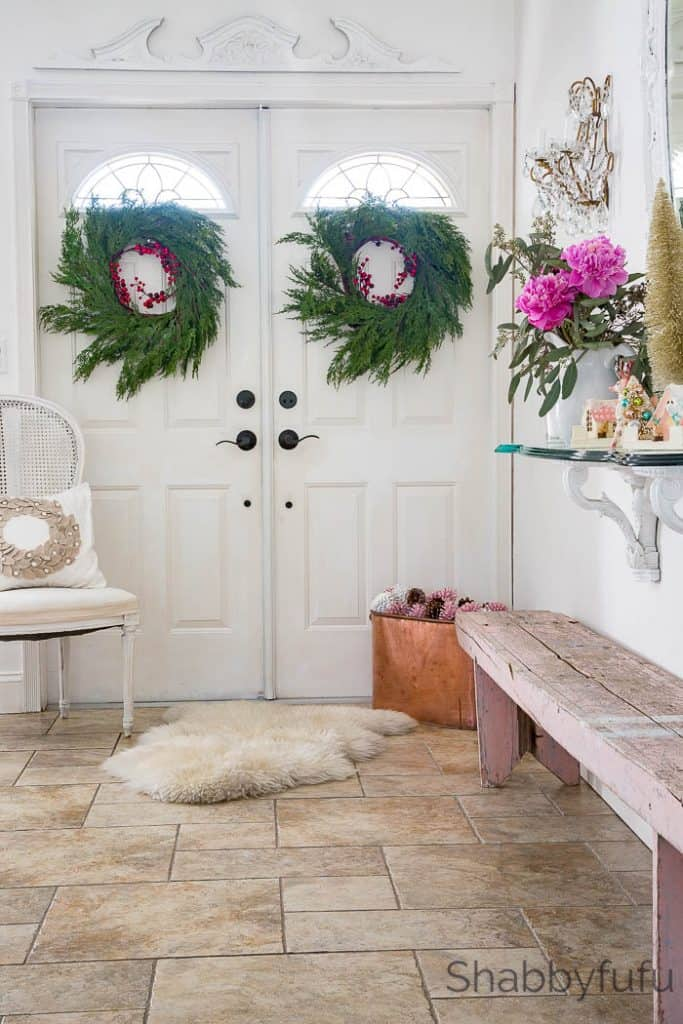 Design Ideas For The Entryway At Christmas - shabbyfufu.com