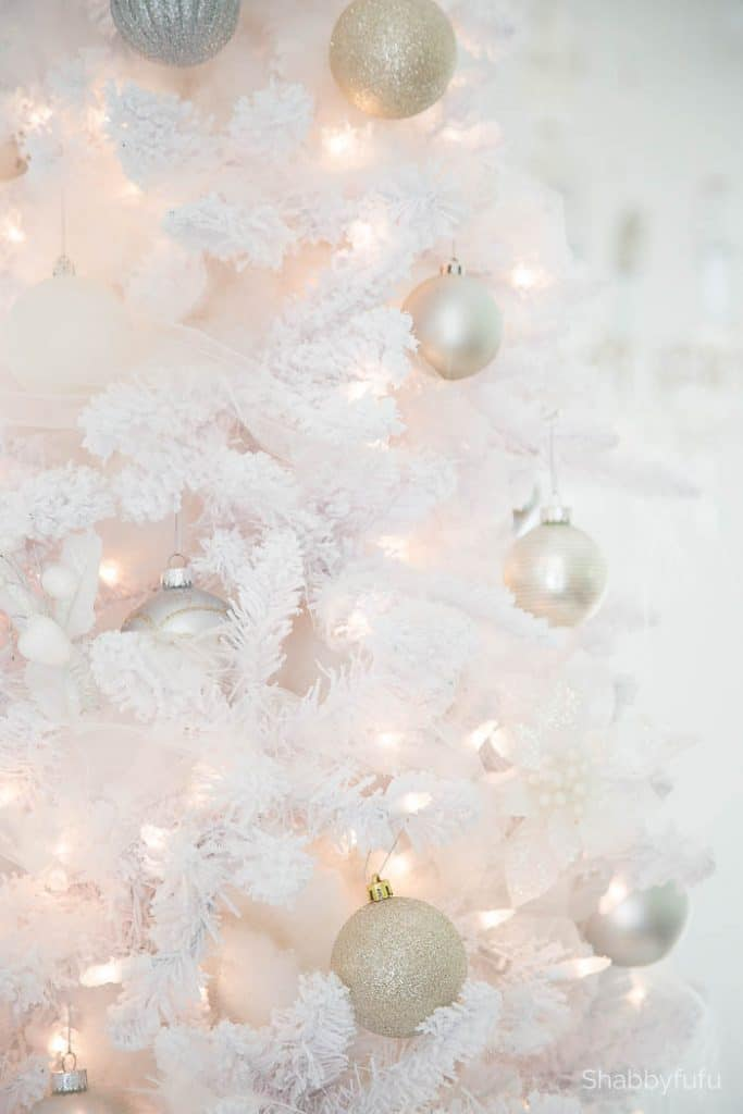 Secrets and Tips For Decorating White Christmas Trees ...