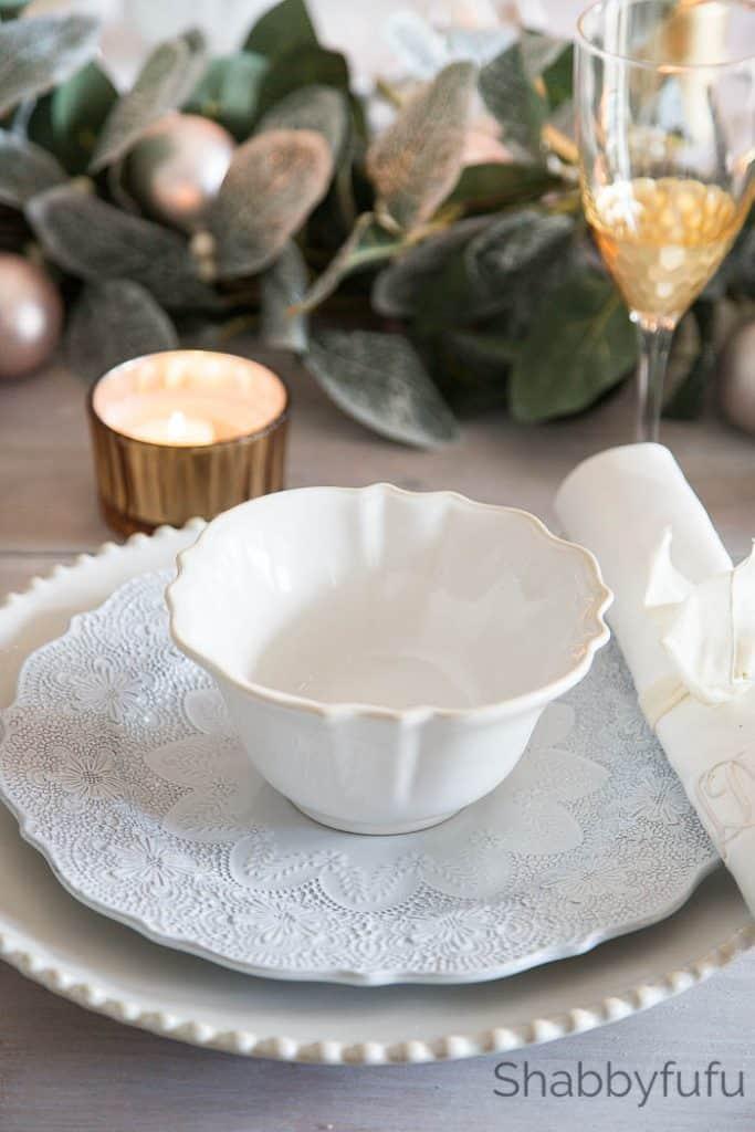white-lace-plates