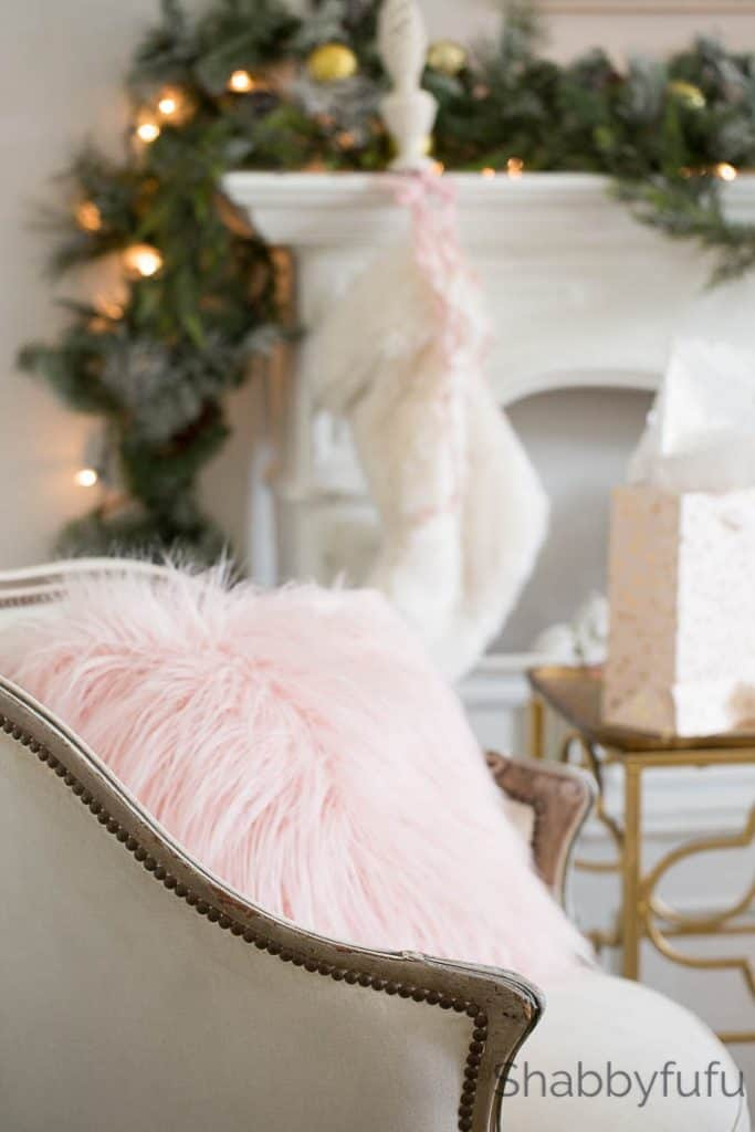 blush-faux-fur-christmas