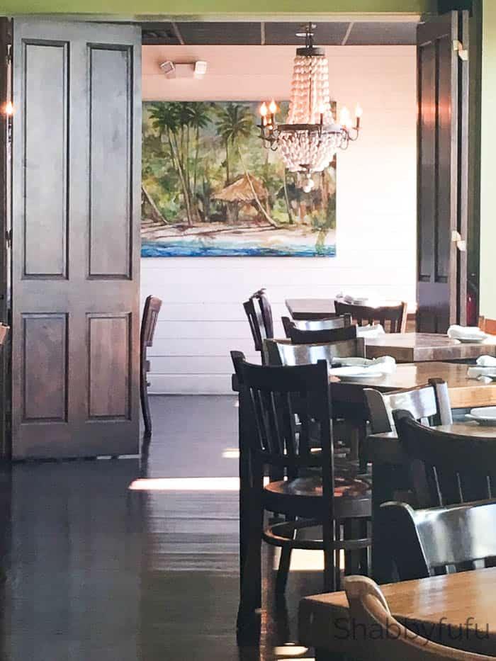 coastal-chic-restaurant-french