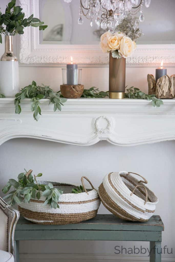 winter-mantel-decorating-natural