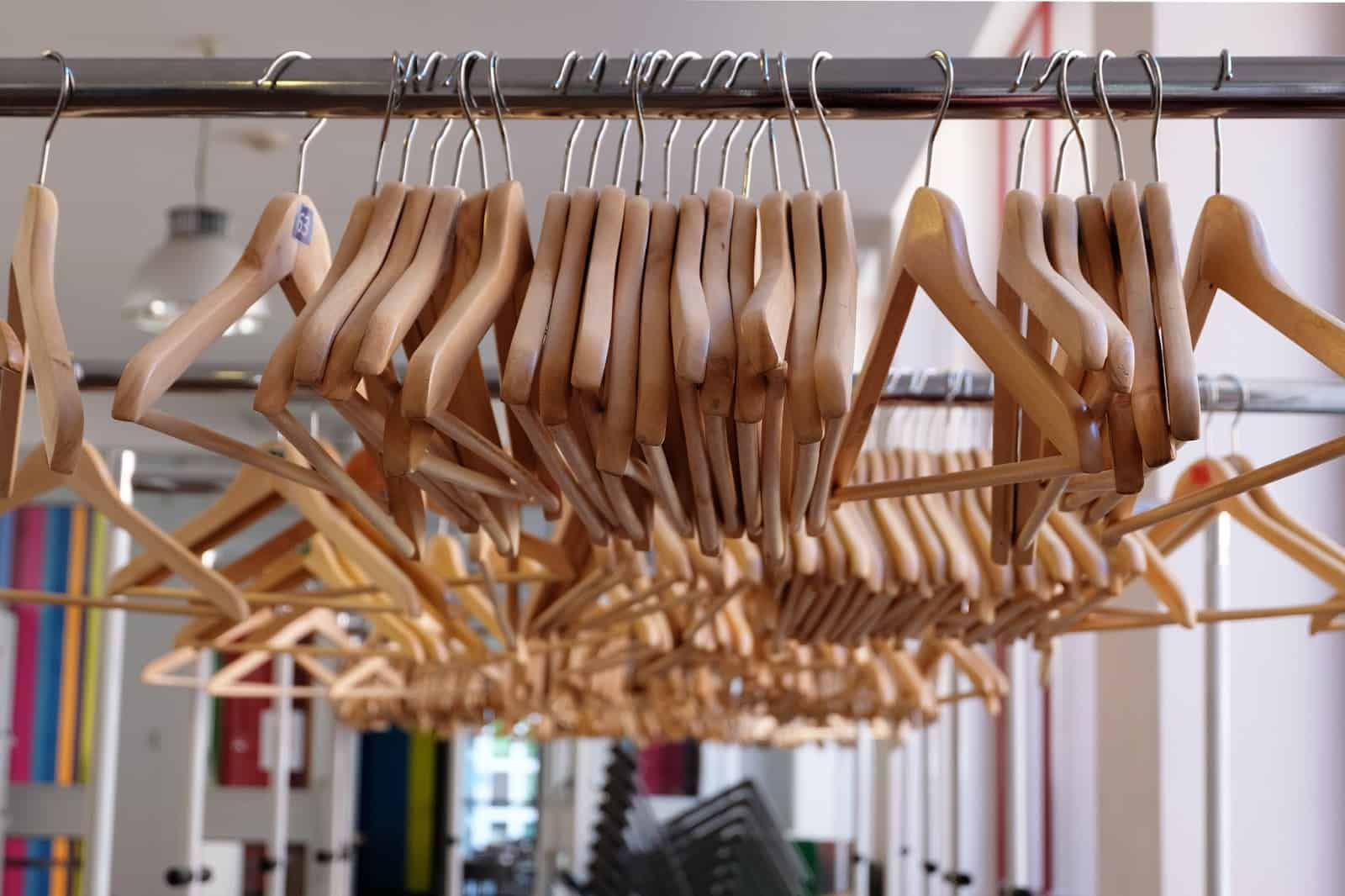 hangers-closet-organization clutter free closet