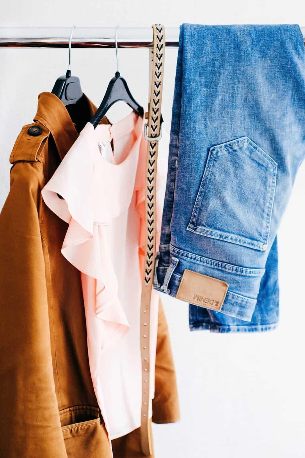 clutter free closet clothing-organization-closet