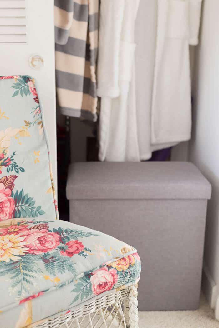 closet-organizing-tips clutter free closet