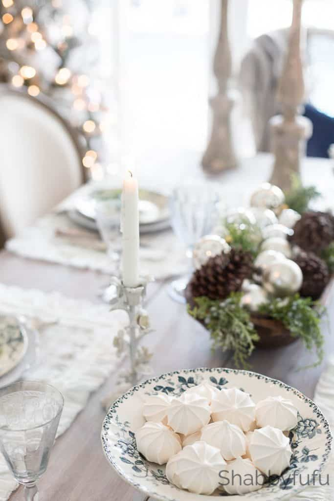 decorating farmhouse christmas