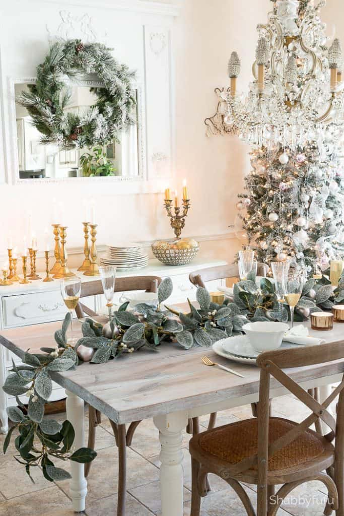 How To Set A Beautiful Holiday Table On A Budget : christmas table settings on a budget - pezcame.com