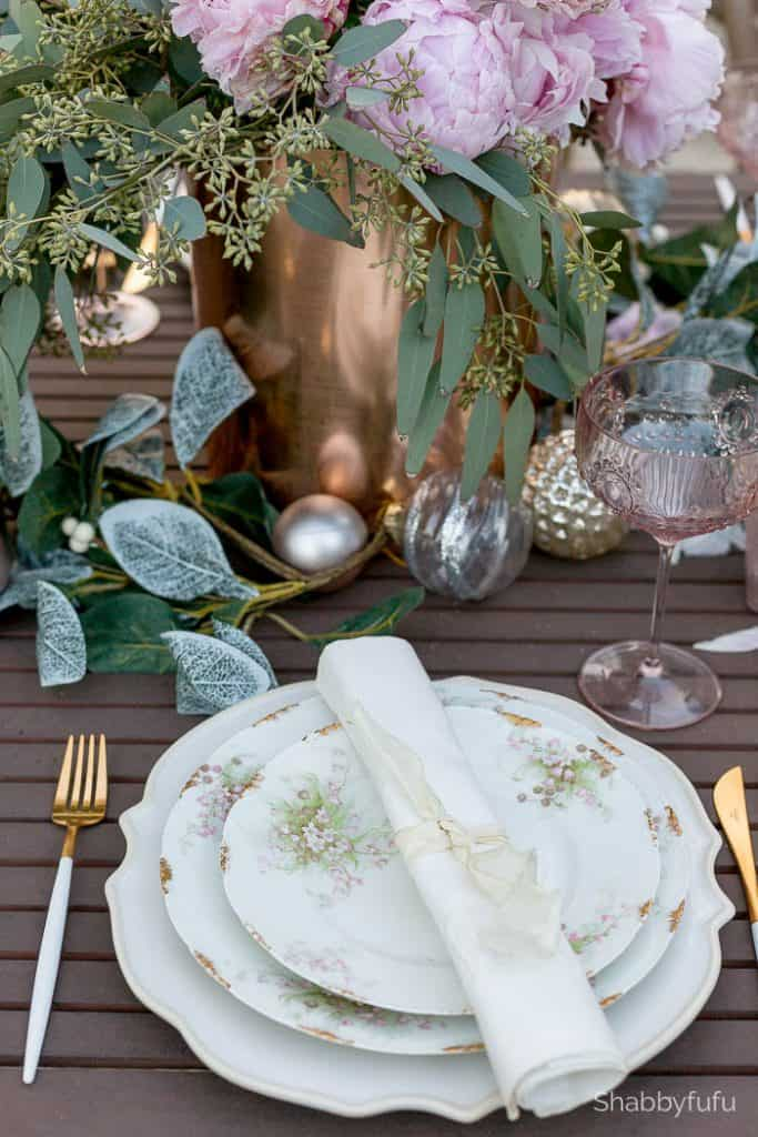 christmas-tablesetting-outdoors-florida