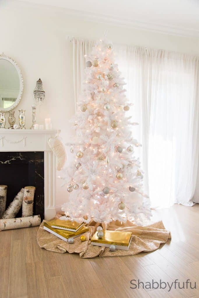 white-gold-christmas-tree