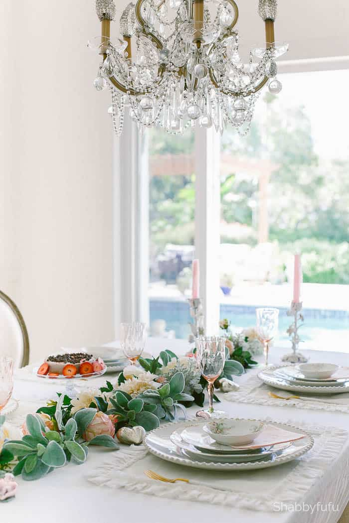 elegant-vintage-tablesetting-shabbyfufu table setting tips