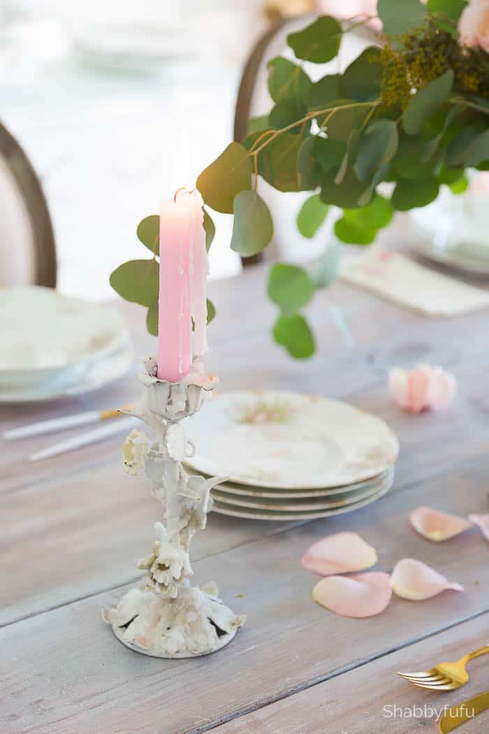 Faux flowers table setting