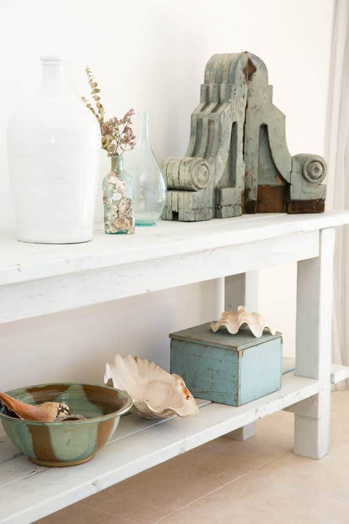 Coastal Bookshelf Decorating