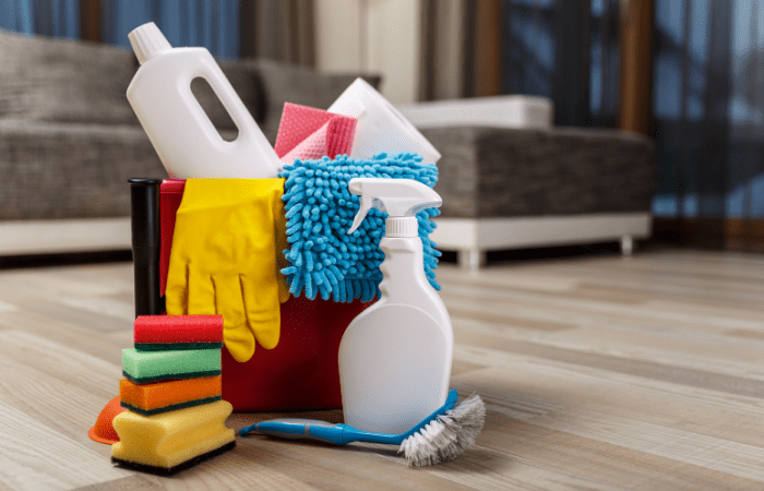 bucket-cleaning-supplies-for-spring-cleaning