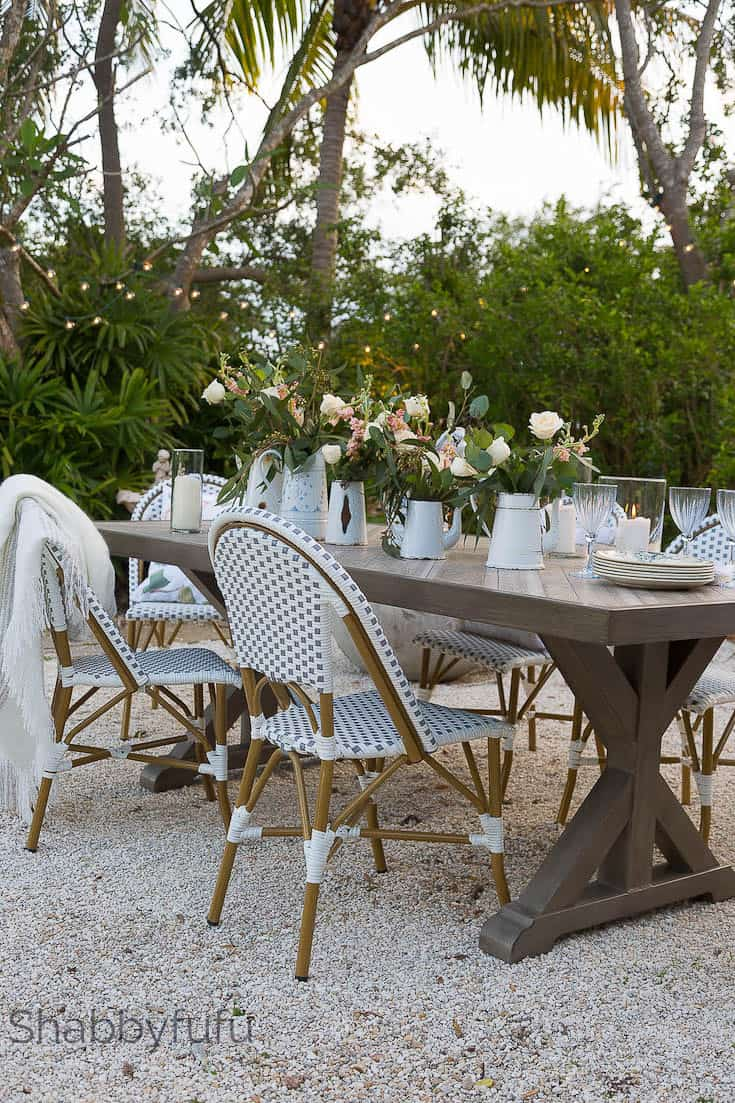 Outdoor Dining Room French Style Pea Gravel