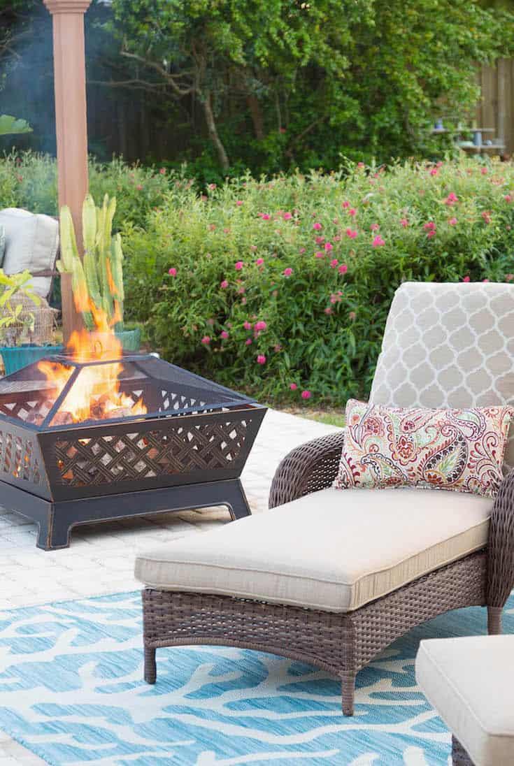 patio style challenge lounge area