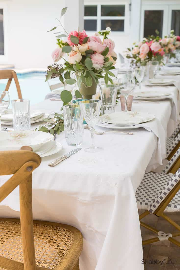 beautiful affordable wedding reception tablescape
