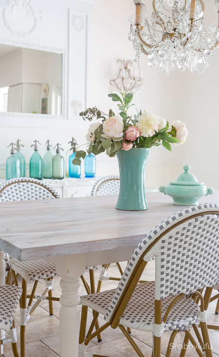summer coastal colors decorating idea