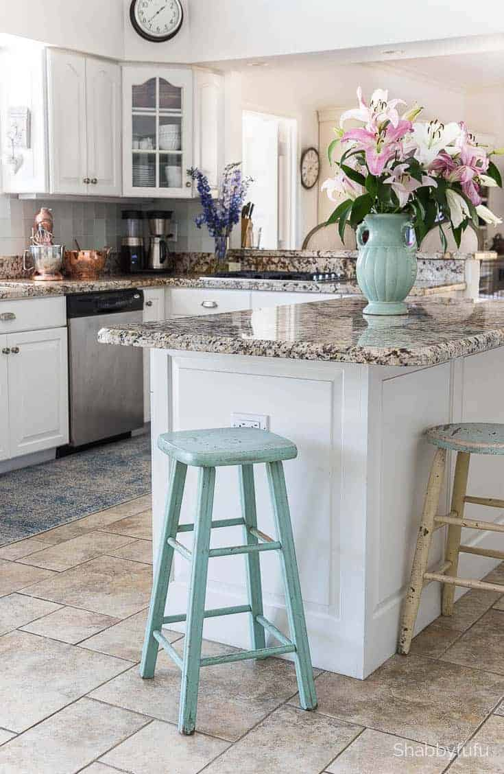 Quartz Countertop Installation In The Kitchen - shabbyfufu.com