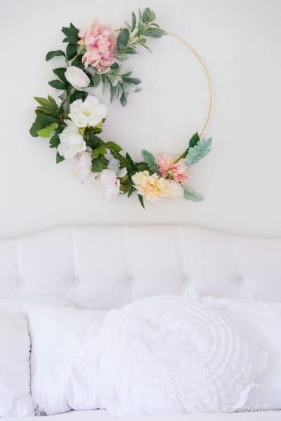 summer master bedroom ideas wreath