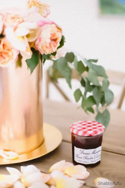 flowers and jam vignette
