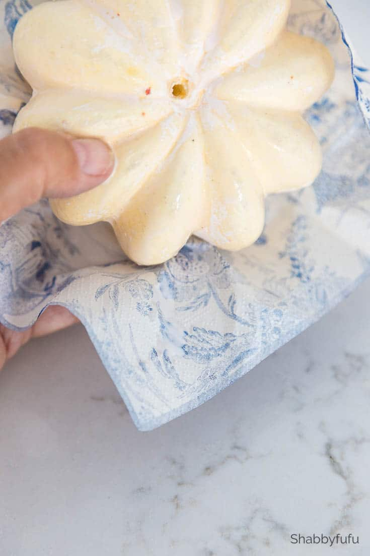 chinoiserie pumpkins diy with napkins