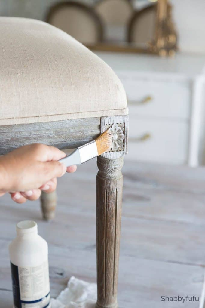 painting furniture with gesso
