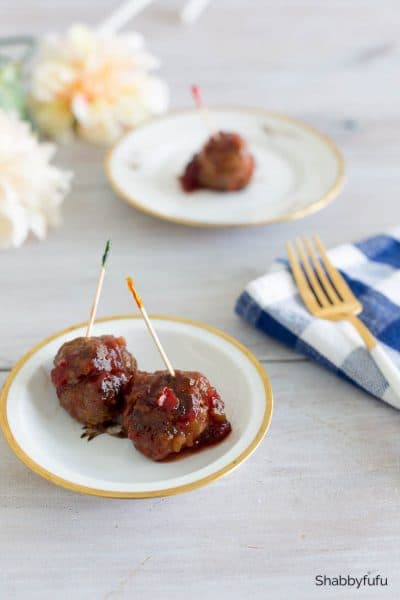 Cranberry Meatballs With Chili Sauce