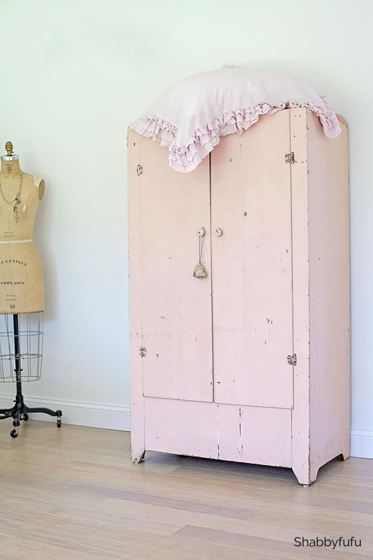 virtual room design pink cabinet