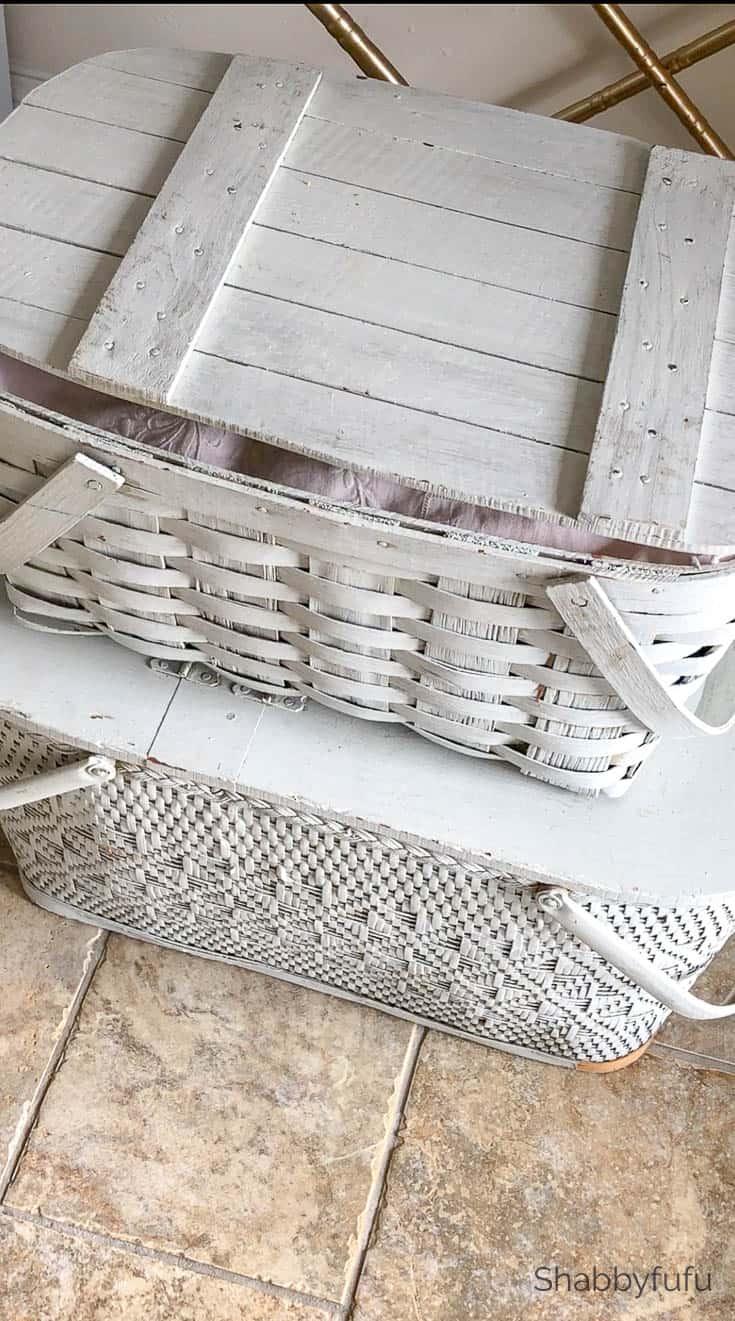 clever storage ideas vintage picnic baskets