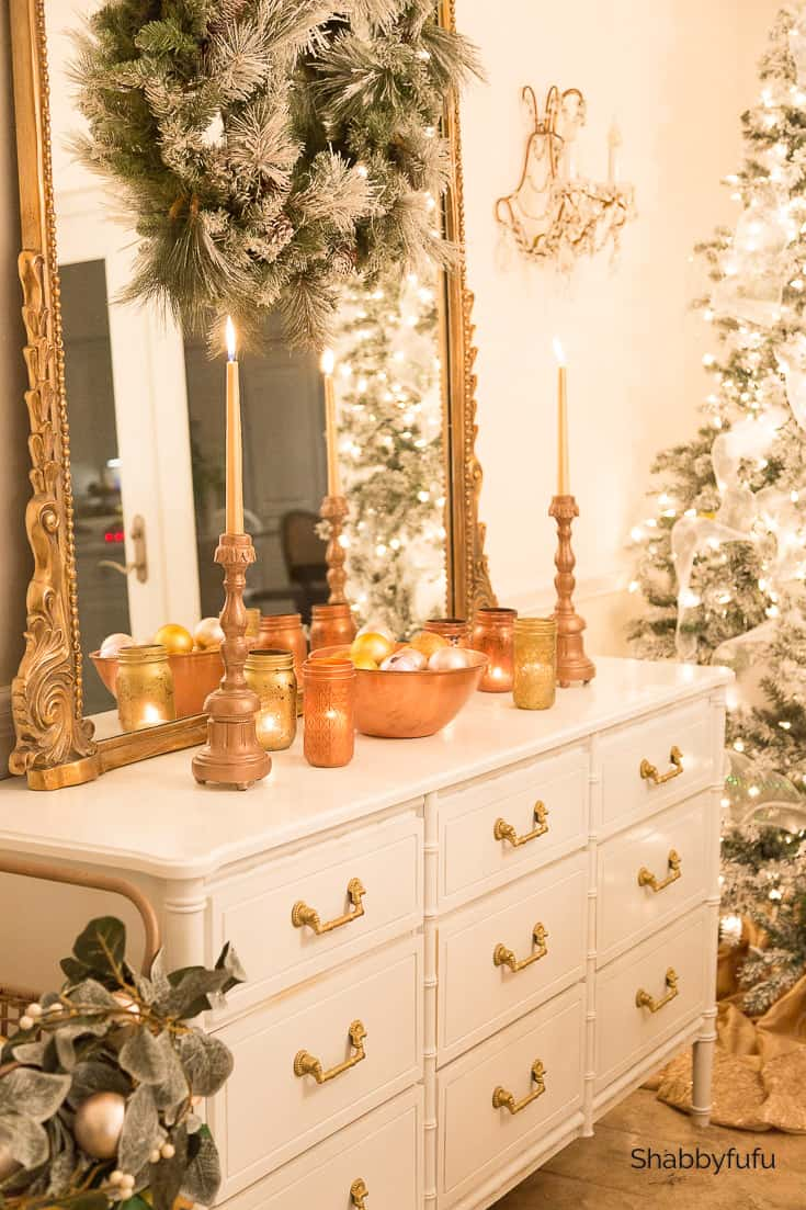 Christmas at night buffet with mixed metallics
