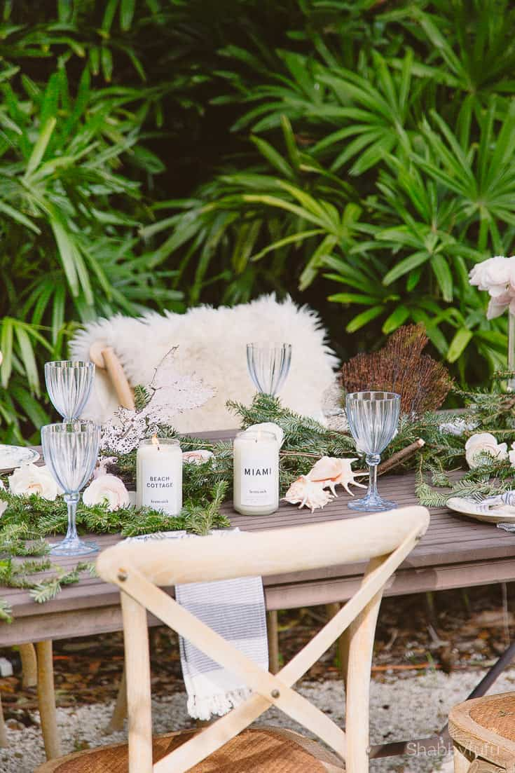 loving your home table setting for the holidays outdoors