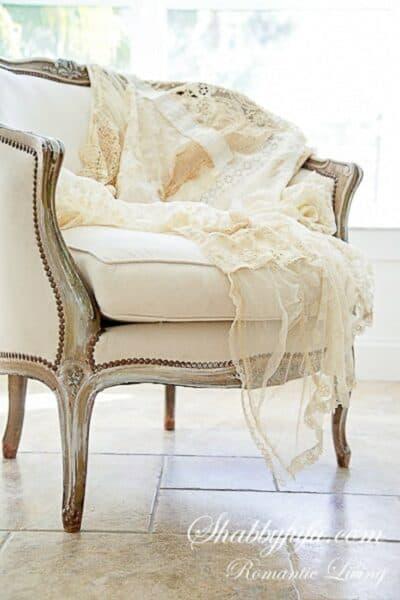 romantic-French-lace-throw-shabbyfufu