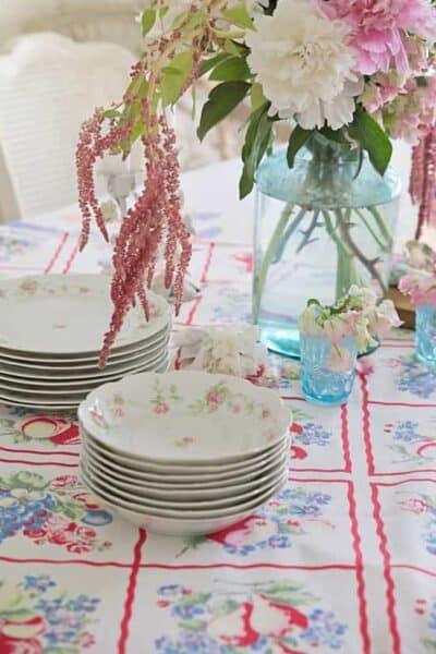 cottage style table shabbyfufu