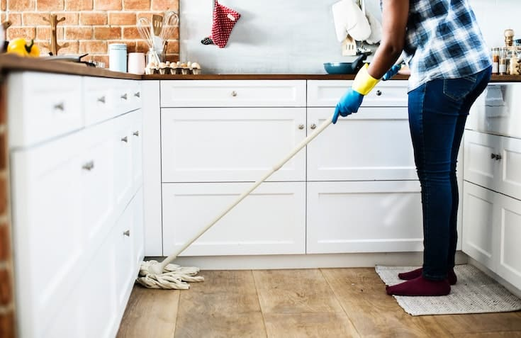 home cleaning tips mopping the floor