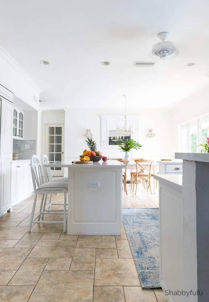 coastal decorating white kitchen