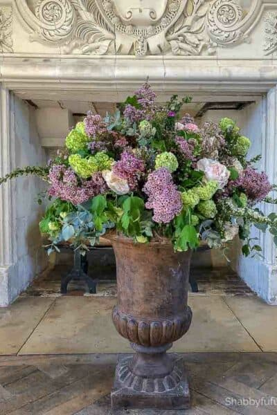 flower arrangement from chateaux in france